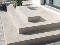 Terrazzo Treppen-Podest zur Eingangstüre
