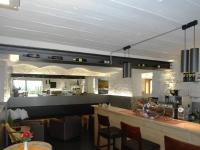 Umbau und Sanierung Vinothek Leobacher